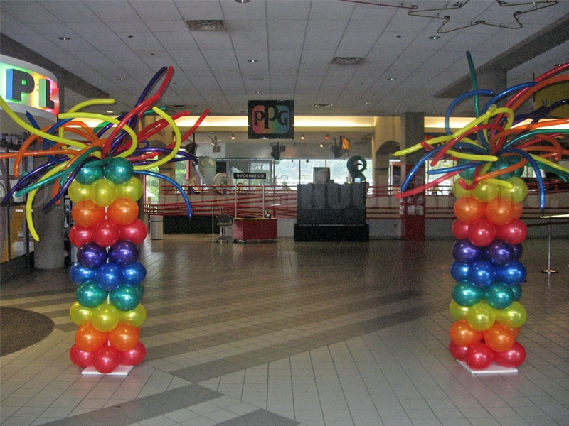 spray-columns-by-airheads-balloon-art