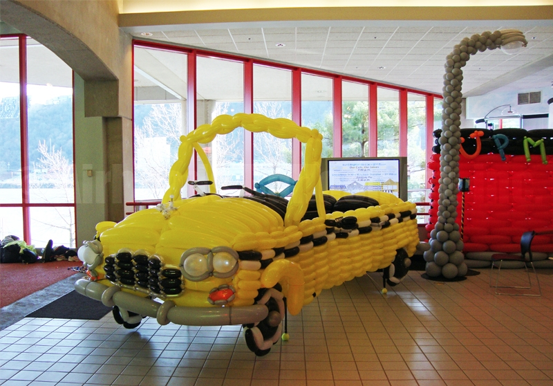 taxi-by-airheads-balloon-art