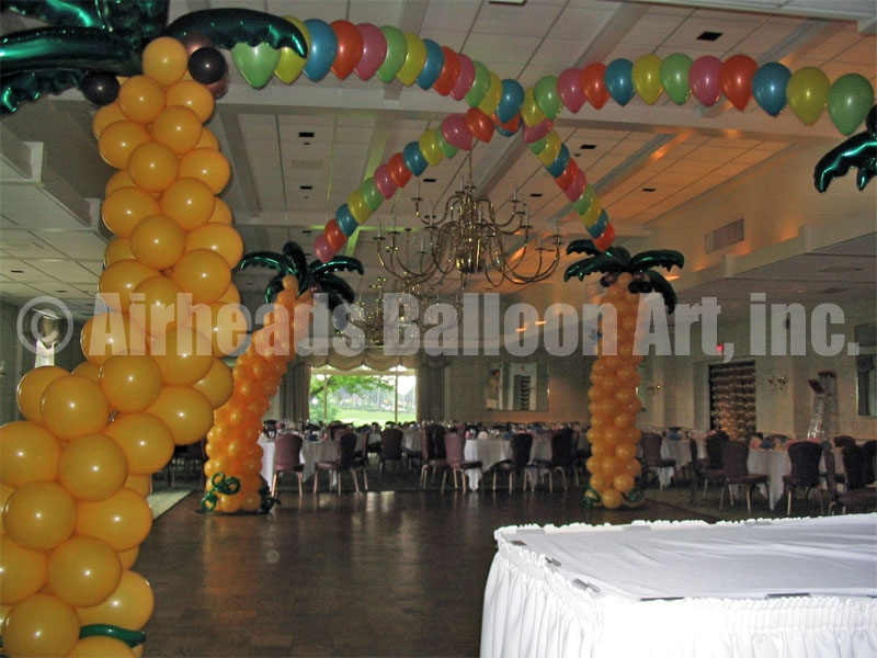 palm-tree-dance-canopy-by-airheads-balloon-art