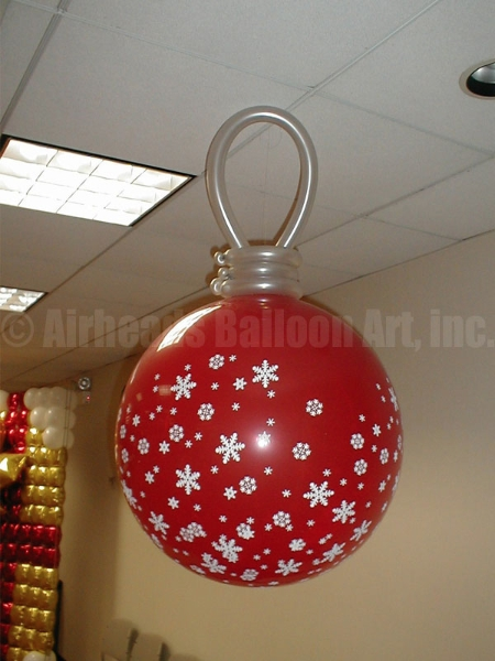 tree-ornament-by-airheads-balloon-art